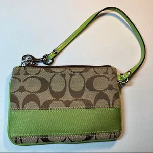 Coach signature wristlet green, brown/tan